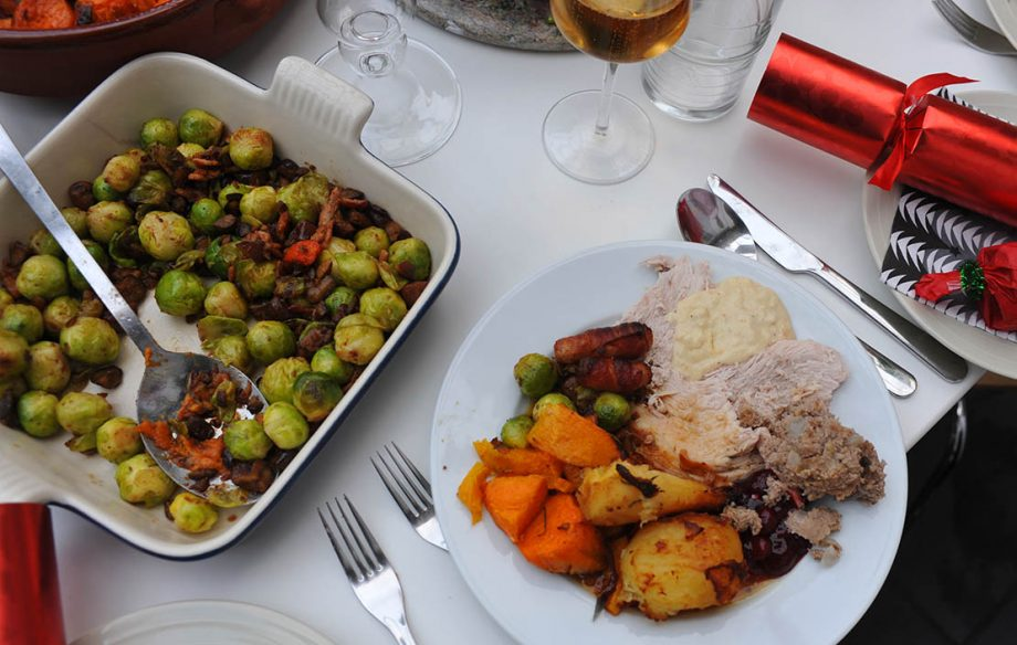 Christmas dinner, traditional xmas meal, Dec 08 December 2008. festive Crackers brussel sprouts roast turkey (Photo by Jeff Overs/BBC News