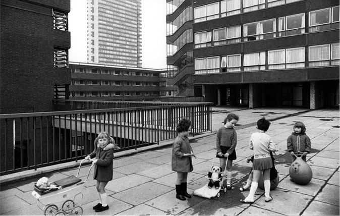 Tony Ray-Jones, Pepys Estate, Deptford, London: children playing on a raised walkway, 1970. Credit: Tony Ray-Jones / RIBA Collections