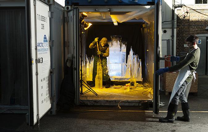 Ice Sculptor - Duncan Hamilton