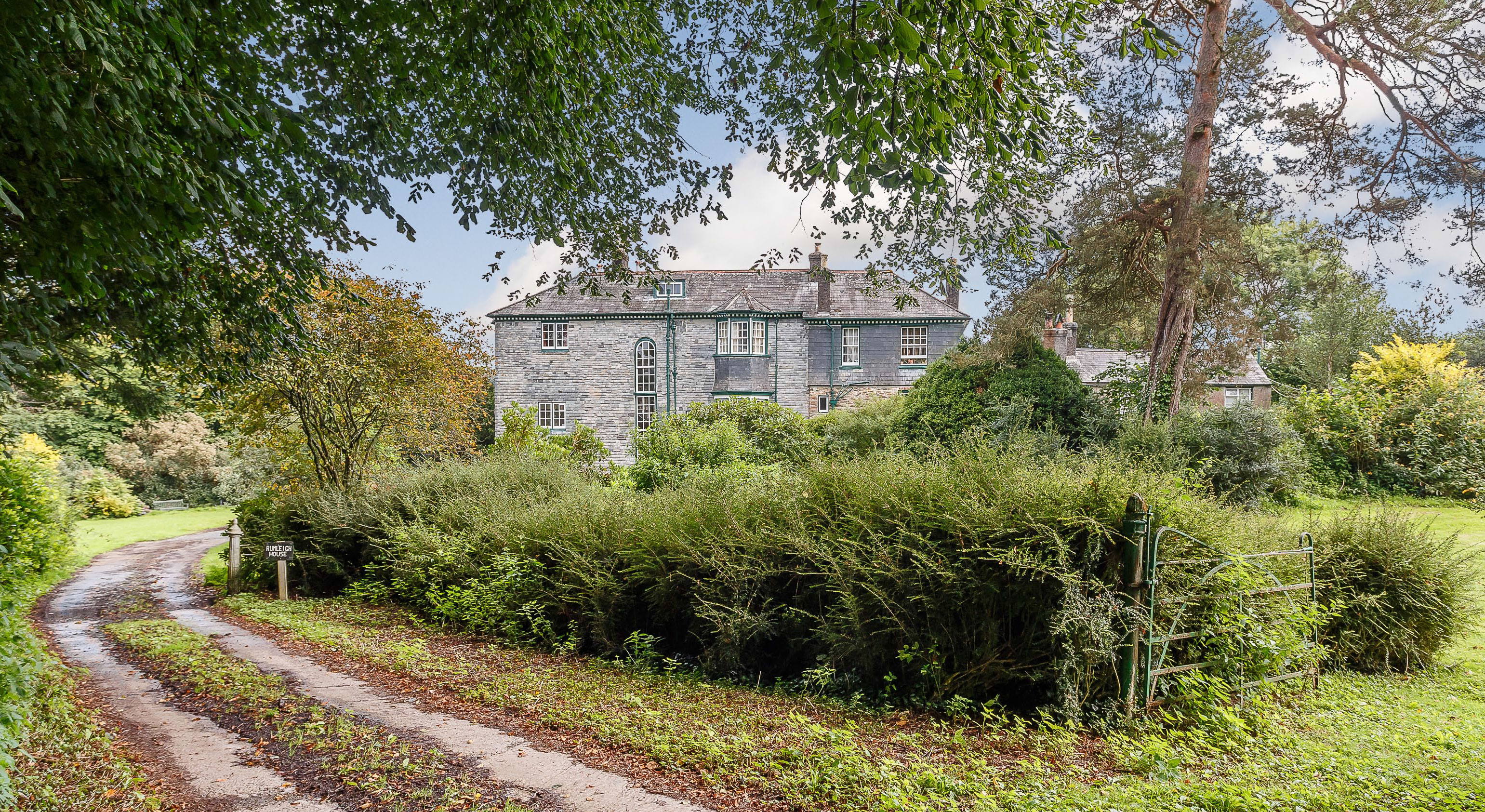 A magnificent ten-bedroom country house in Devon for sale at a startlingly low price tag - Country Life