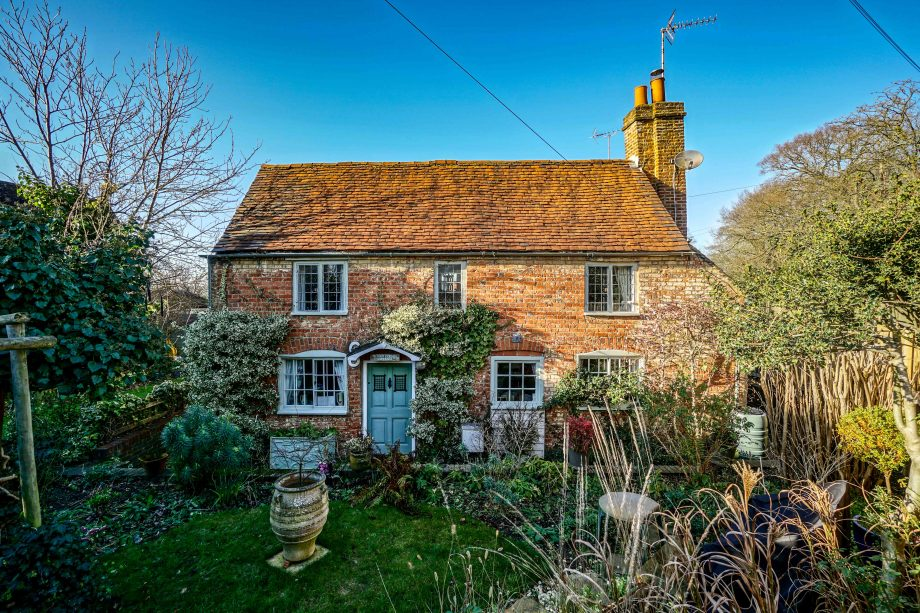 five spectacularly pretty english country cottages for sale rh countrylife co uk images of english country cottages images of country cottages interiors