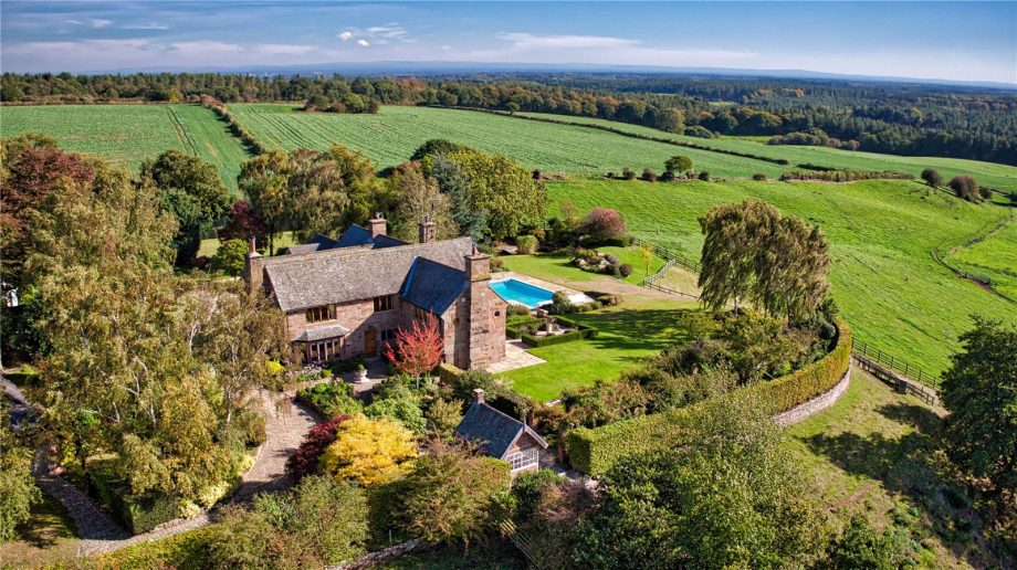 Country house in Cheshire for sale