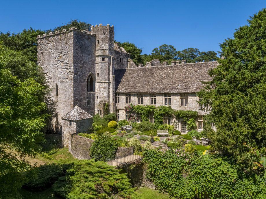Beverston Castle Estate 3_284929342_457356861