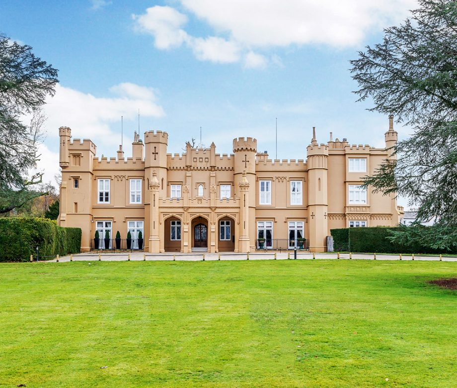 Wall Hall Mansion, Herfordshire