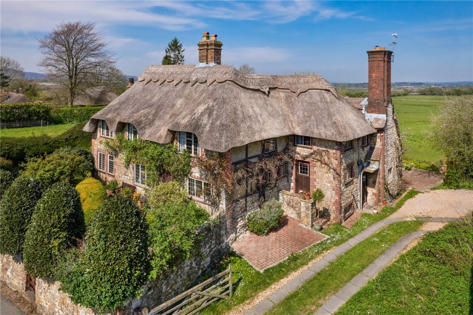 Pine Cottage, Amberley.