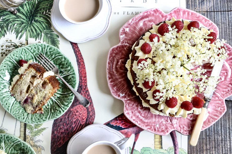 Almond, rhubarb and raspberry cake with elderflower cream. Picture published in the 12.06.2019 issue of CLF