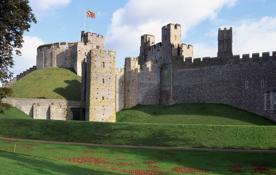 A view of the exterior of Arundel Castle, showing the 11th century motte, the Norman gatehouse and the 13th century barbican.