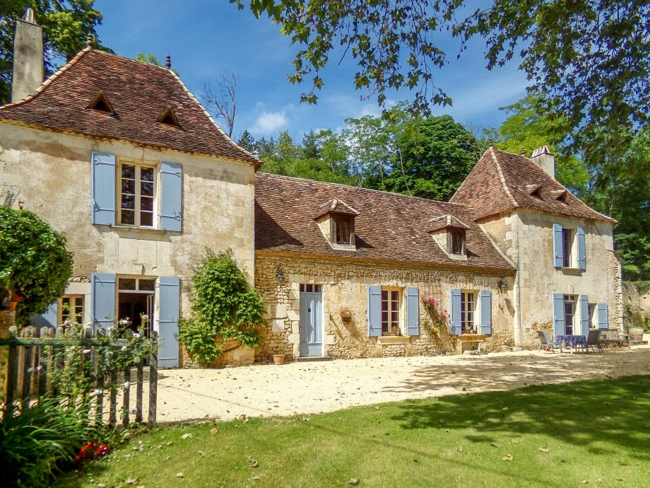 Dordogne house for sale via Leggett Prestige