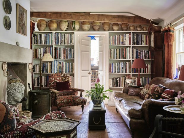 . Home interiors guides and tips  Country house interiors
