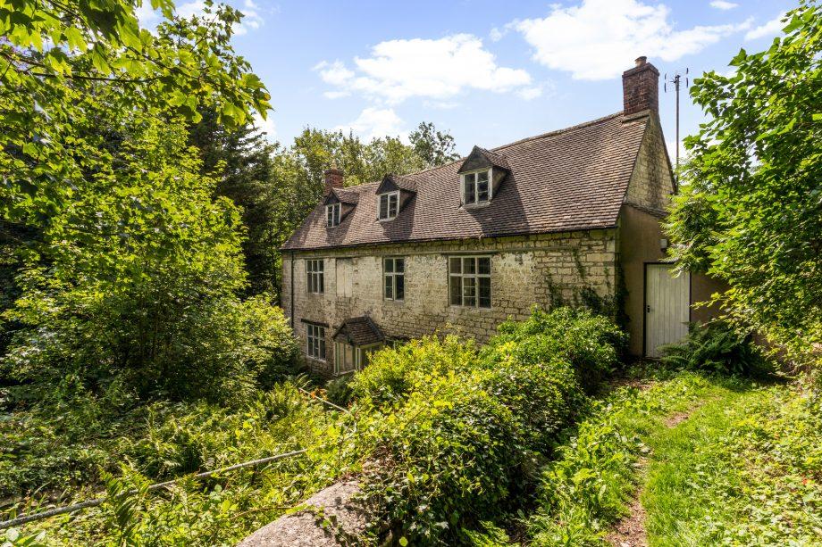 1 Rosebank Cottages - Laurie Lee's childhood home in Slad, Gloucestershire