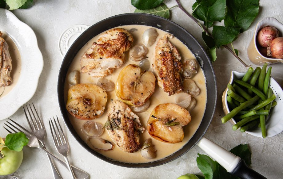 Normandy chicken with apples