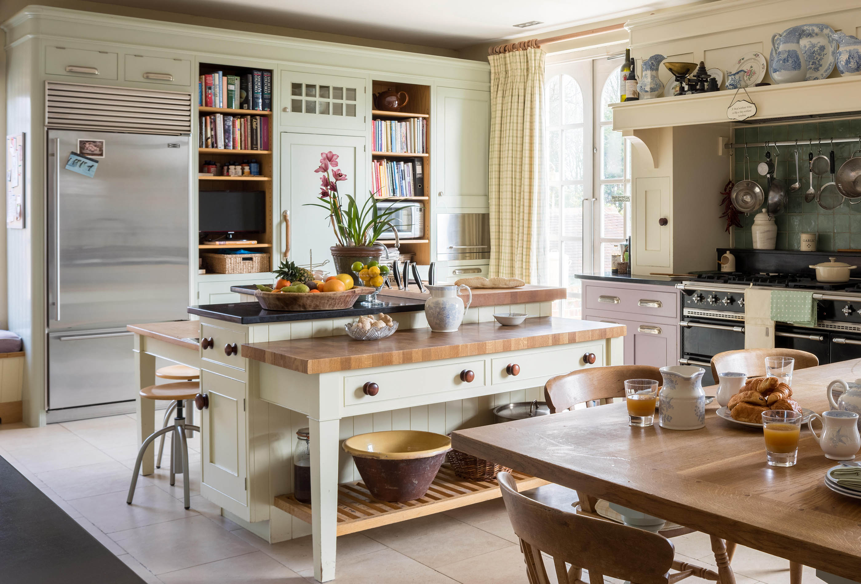 Four beautiful kitchen islands which push the boundaries ...