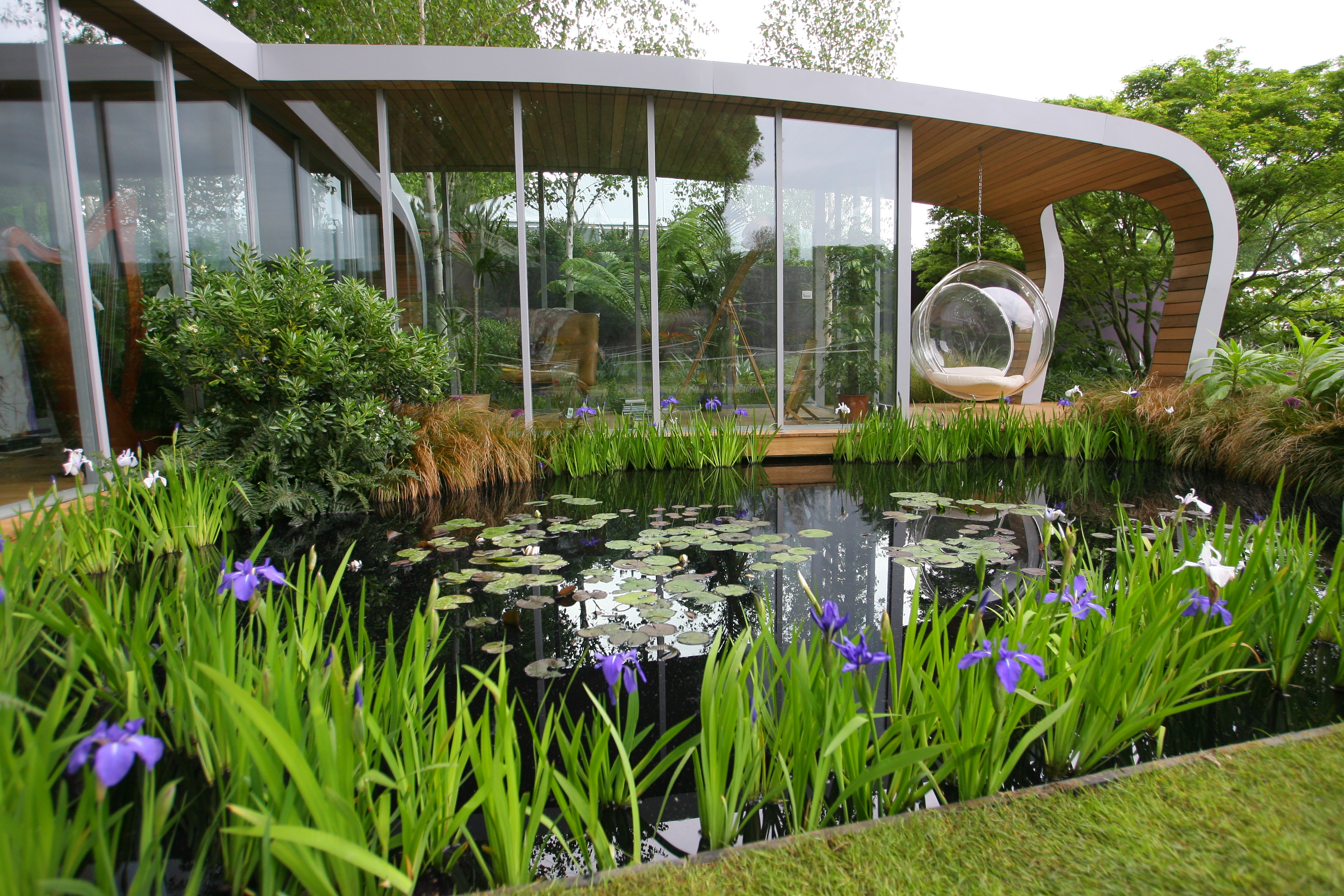 Country Life Today: Why the winners at next year's Chelsea Flower Show will have to be greener than ever