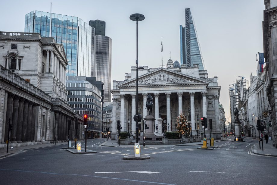 London, UK. 25th Dec, 2014. The Bank of England and Bank in London on early Christmas morning. Credit: Piero Cruciatti/Alamy Live News