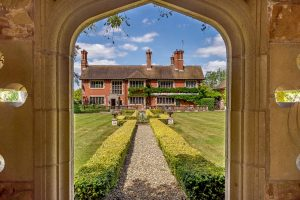 A small country house with grandeur on a large scale, and truly spectacular gardens 1