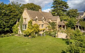 A heartbreakingly pretty house with party room, swimming pool and the best of the north Cotswolds on its doorstep 1