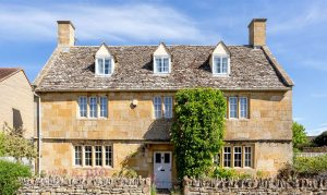 21 beautiful properties on the market around Britain, as seen in Country Life 1