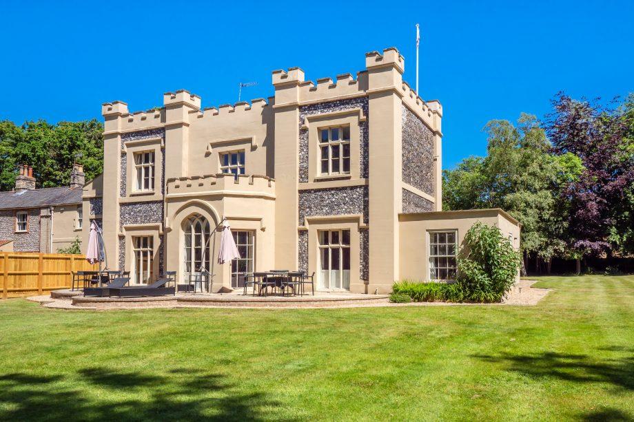 The Castle, Holt