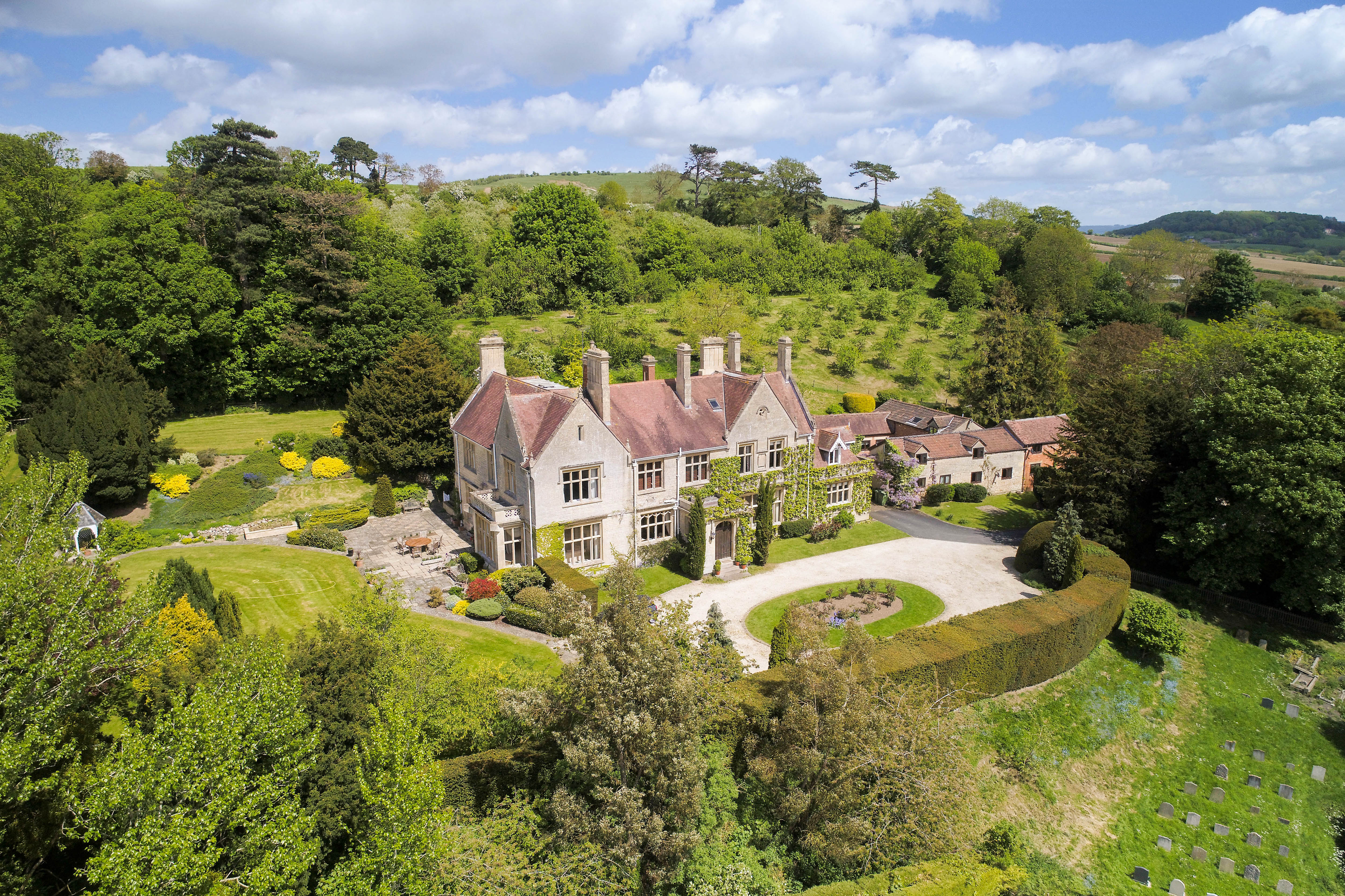 A magnificent Victorian house overlooking Cheltenham racecourse in Gloucestershire - Country Life