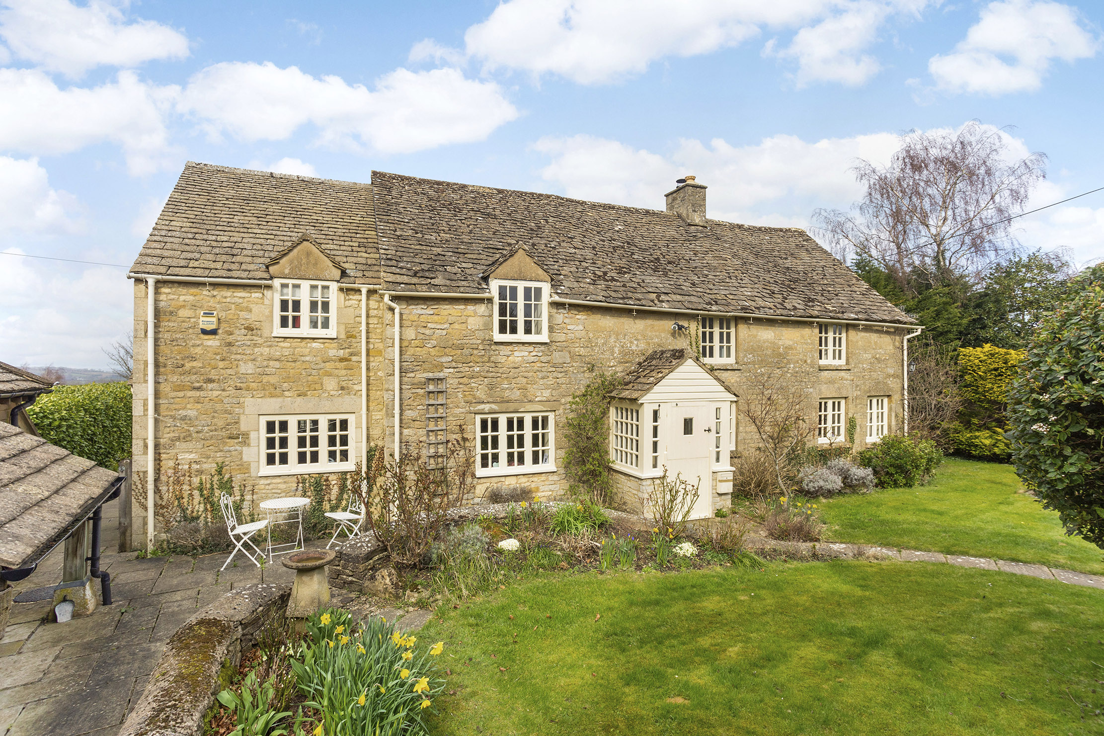 A pretty Grade II listed cottage set in a quintessential Oxfordshire village - Country Life
