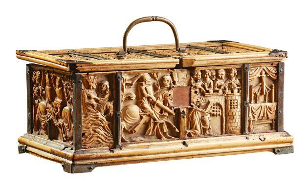 chestyCLI308 art market 641 493 FRENCH GOTHIC CASKET 1 630x387.