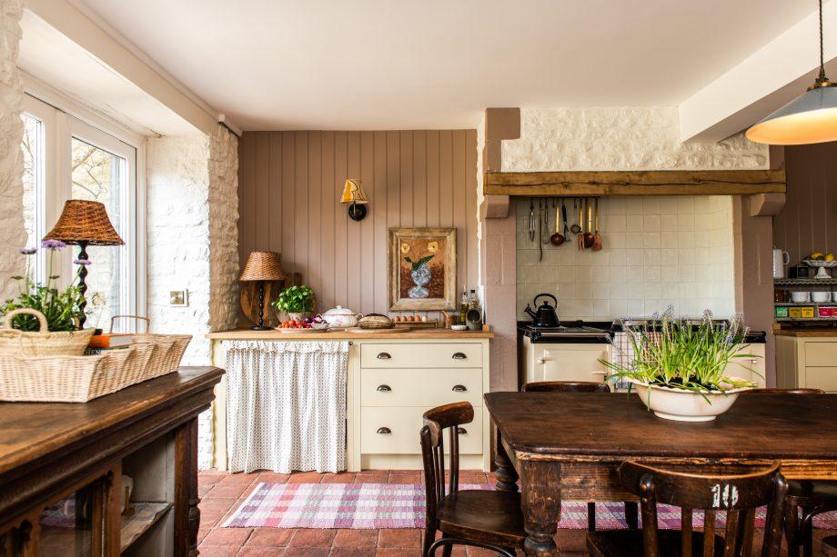 Lisa Mehydene's Cotswolds kitchen