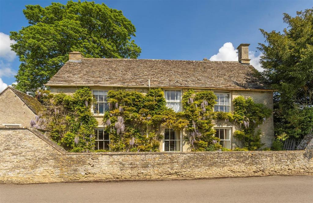 A very pretty Cotswolds stone cottage in the heart of a sought-after village, with an exciting opportunity in the garden - Country Life