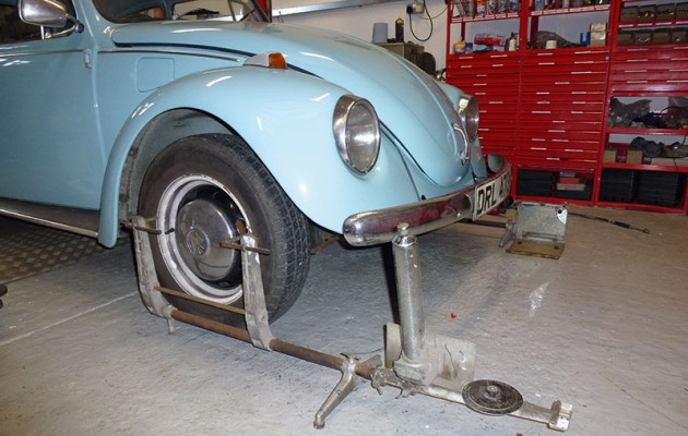 Track rod end replacement on a Beetle