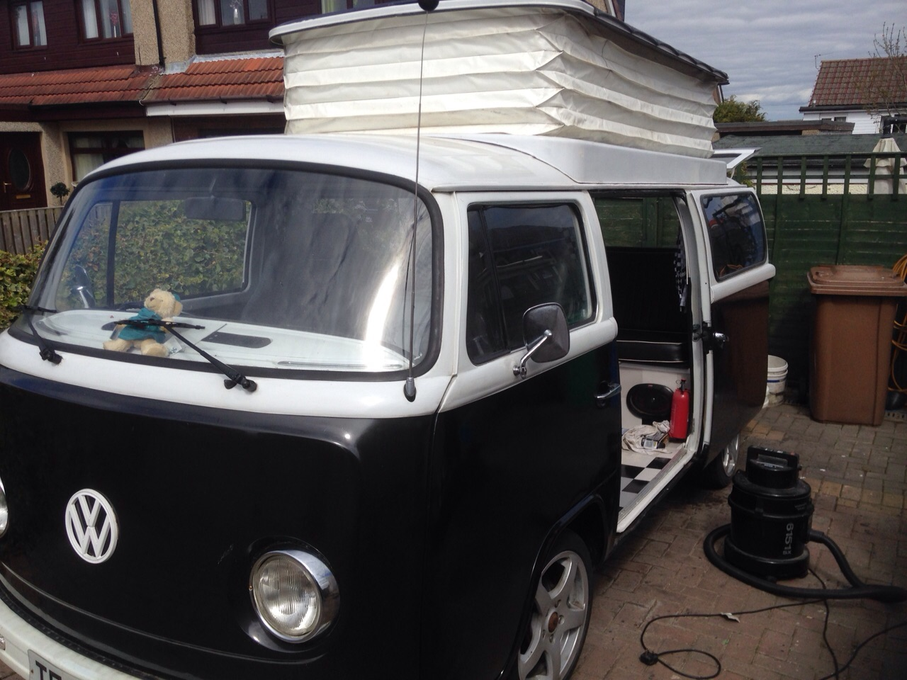 1977 t2 original right hand drive camper for sale volksworld for 16 window vw bus for sale